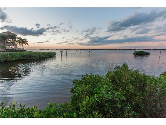 waterfront lot in the reserve luxury real estate