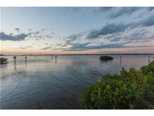 waterfront lot in the reserve luxury properties