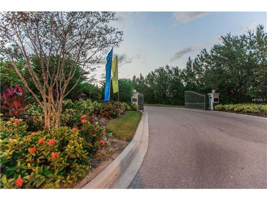 waterfront lot in the reserve luxury homes