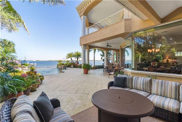 private riverfront estate mansions