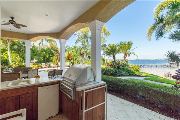 Mansions in private riverfront estate