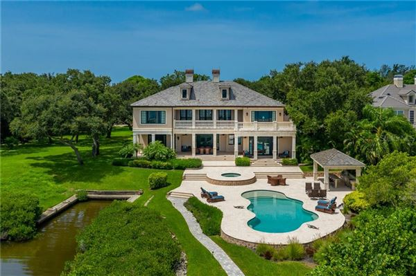 Luxury properties A hidden paradise on prized Siesta Key