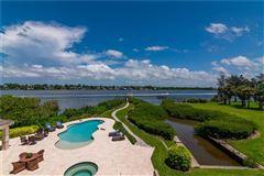 A hidden paradise on prized Siesta Key luxury homes