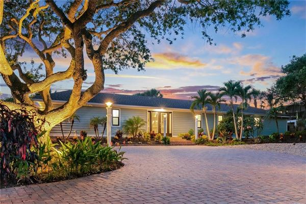 Luxury homes Sea Glass Bluff