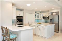 Sea Glass Bluff luxury homes