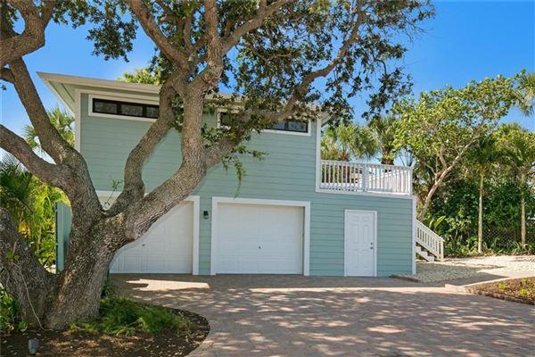 Sea Glass Bluff luxury real estate