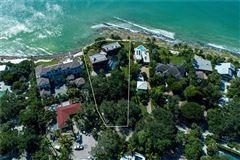 Luxury homes in landmark gulf-front property