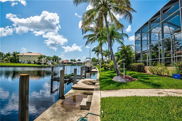 Embrace the epitome of waterfront living luxury homes