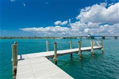 stunning waterfront location luxury homes