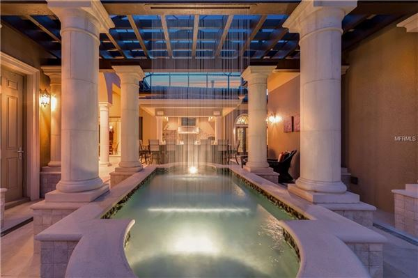 Luxury properties breathtaking Italianate estate
