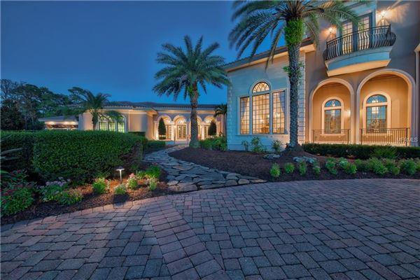 breathtaking Italianate estate mansions