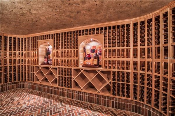 breathtaking Italianate estate luxury real estate