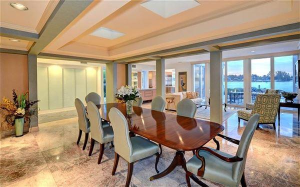 Luxury homes LIDO SHORES masterpiece