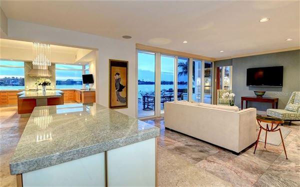 Luxury properties LIDO SHORES masterpiece