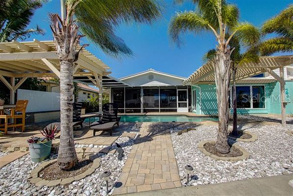 Luxury properties waterfront on anna maria island
