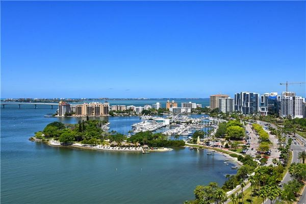 Luxury homes EPOCH at Sarasota, florida