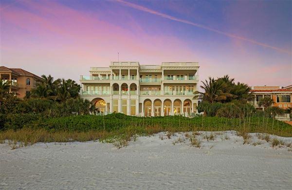 Luxury homes a palatial masterwork