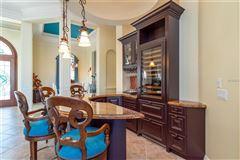estate of Hall of Fame quarterback Terry Bradshaw luxury real estate
