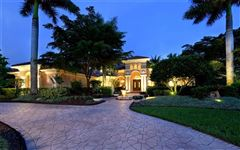 Mansions Bestowed with captivating beauty andsupreme privacy