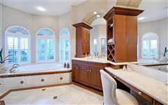 Luxury homes in Bestowed with captivating beauty andsupreme privacy