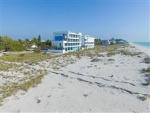 Luxury homes in beautiful beach front lot in placida