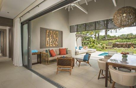 Luxury homes luxurious villa in golf estate of Anahita