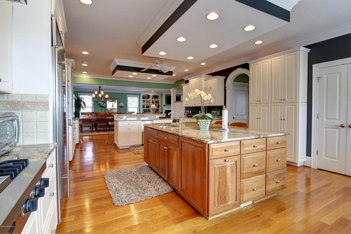 Luxury homes Front Street Beaufort Beauty