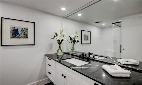 Luxury real estate Beautifully renovated two bedroom condo