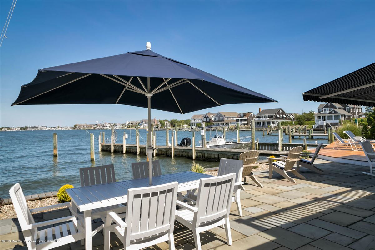 Luxury properties luxurious bayfront home