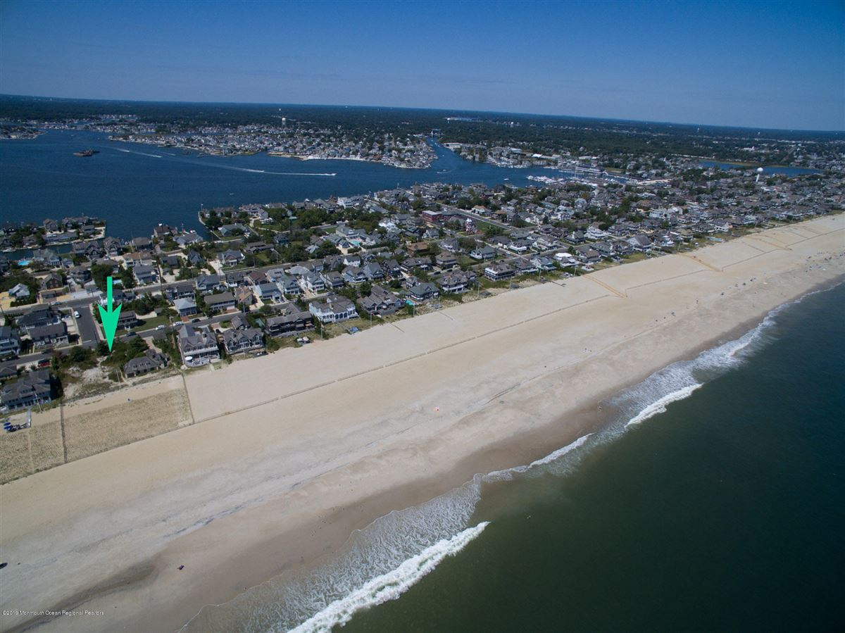 Mansions One-of-a-kind Oceanfront opportunity