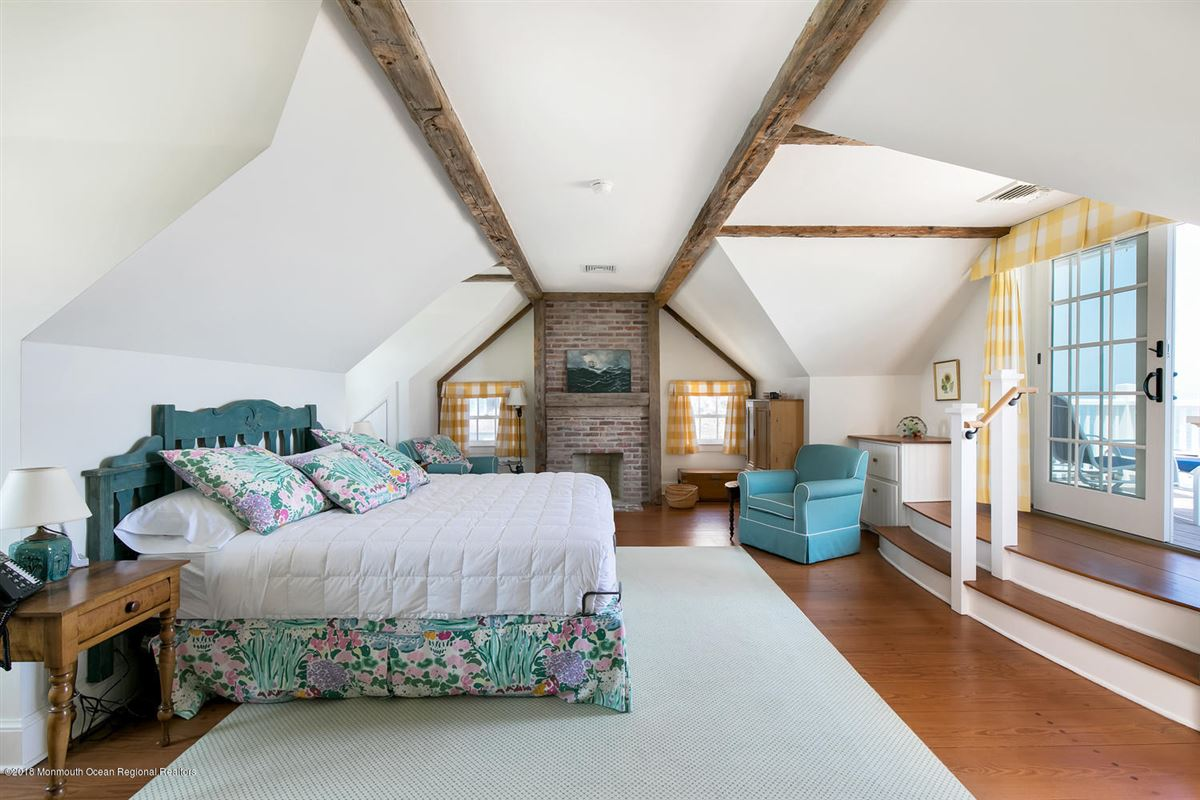 Luxury homes captivating Mantoloking oceanfront retreat
