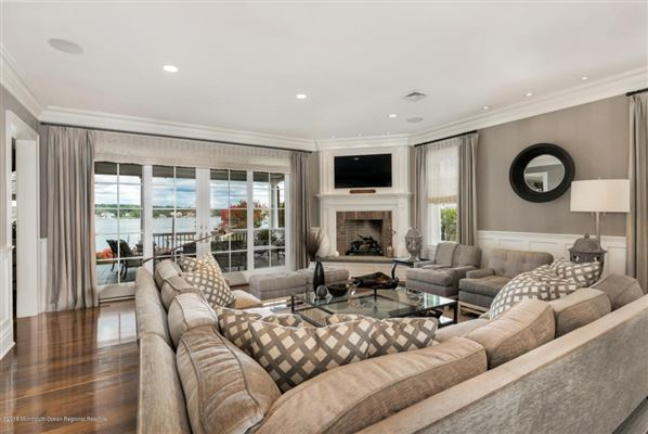 Exquisite riverfront home with spectacular views mansions