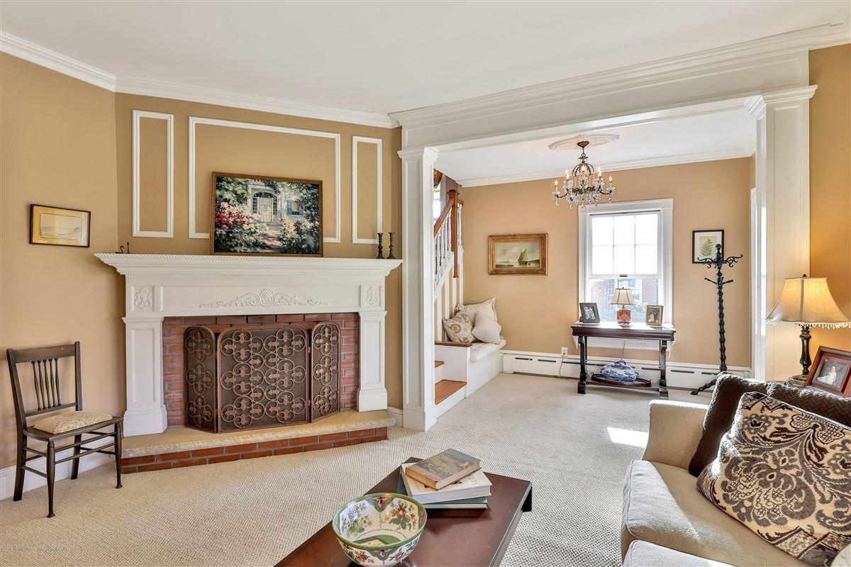 Luxury properties classic Spring Laker