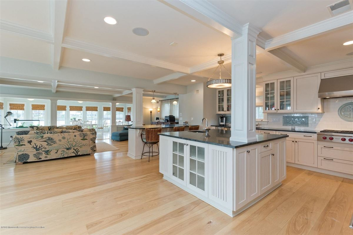 Luxury homes in an elegant and gracious home in avon