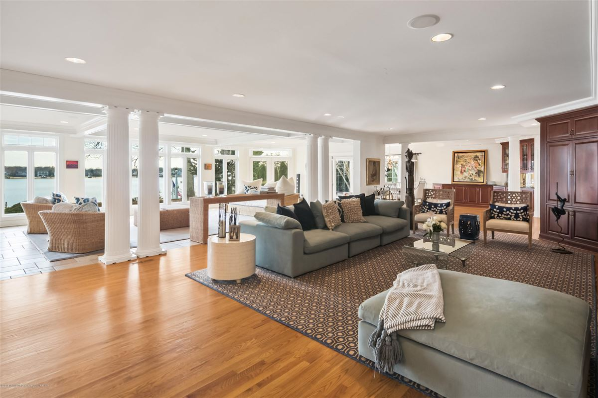 Luxury homes unparalleled panorama on Manasquan River