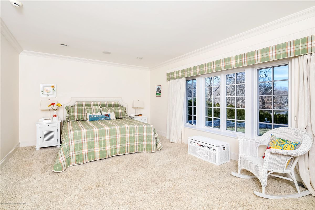 Luxury real estate unparalleled panorama on Manasquan River