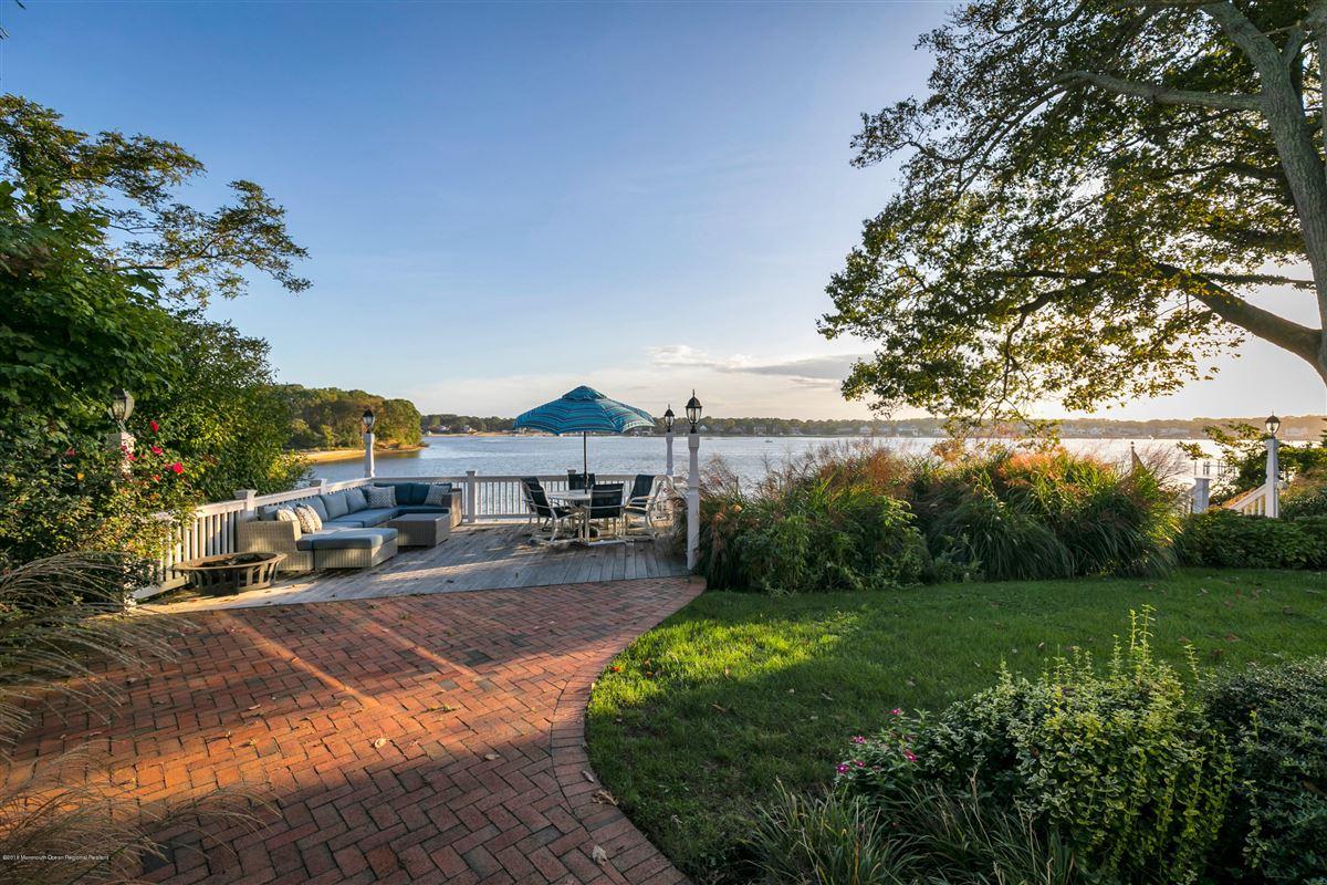 Luxury properties unparalleled panorama on Manasquan River