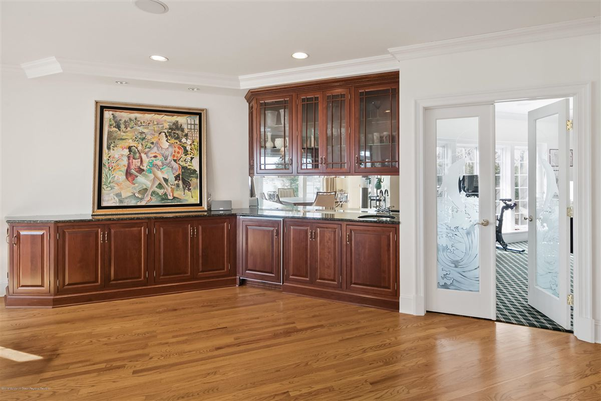 Luxury properties unparalleled panorama on Manasquan River