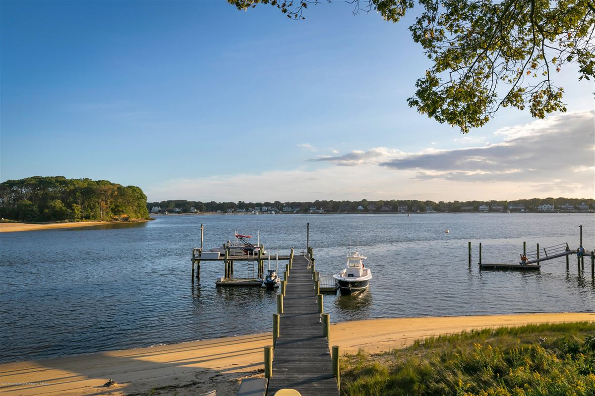 unparalleled panorama on Manasquan River luxury real estate