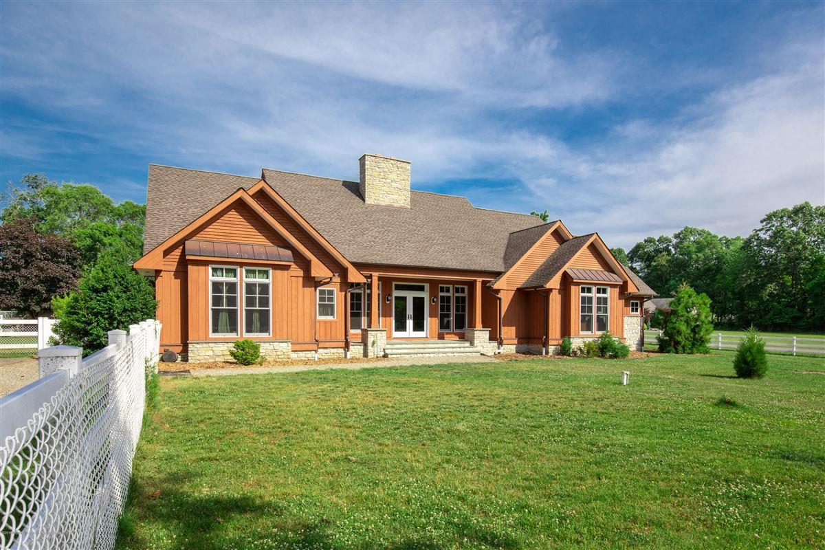 custom home on 27 acre farm mansions