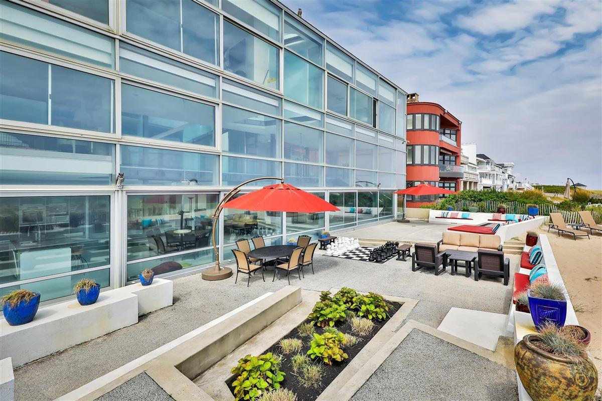Double Lot Oceanfront home  luxury properties
