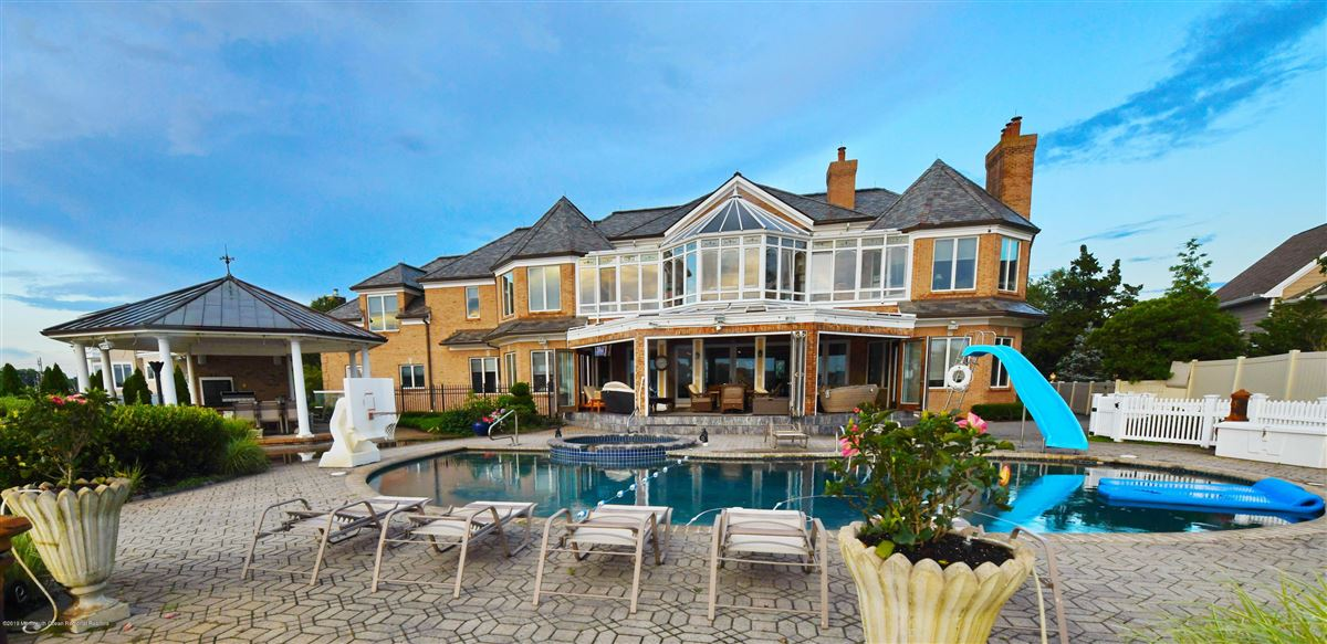 Luxury homes in Point Pleasant Beach living at its finest
