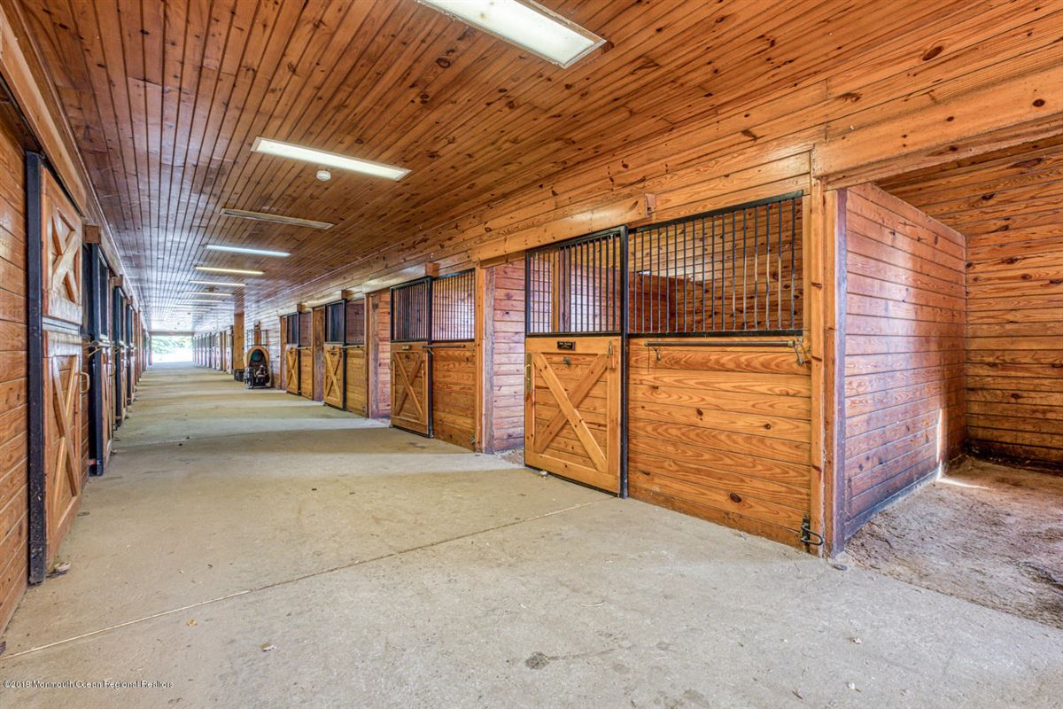 Mansions Synergy Stables