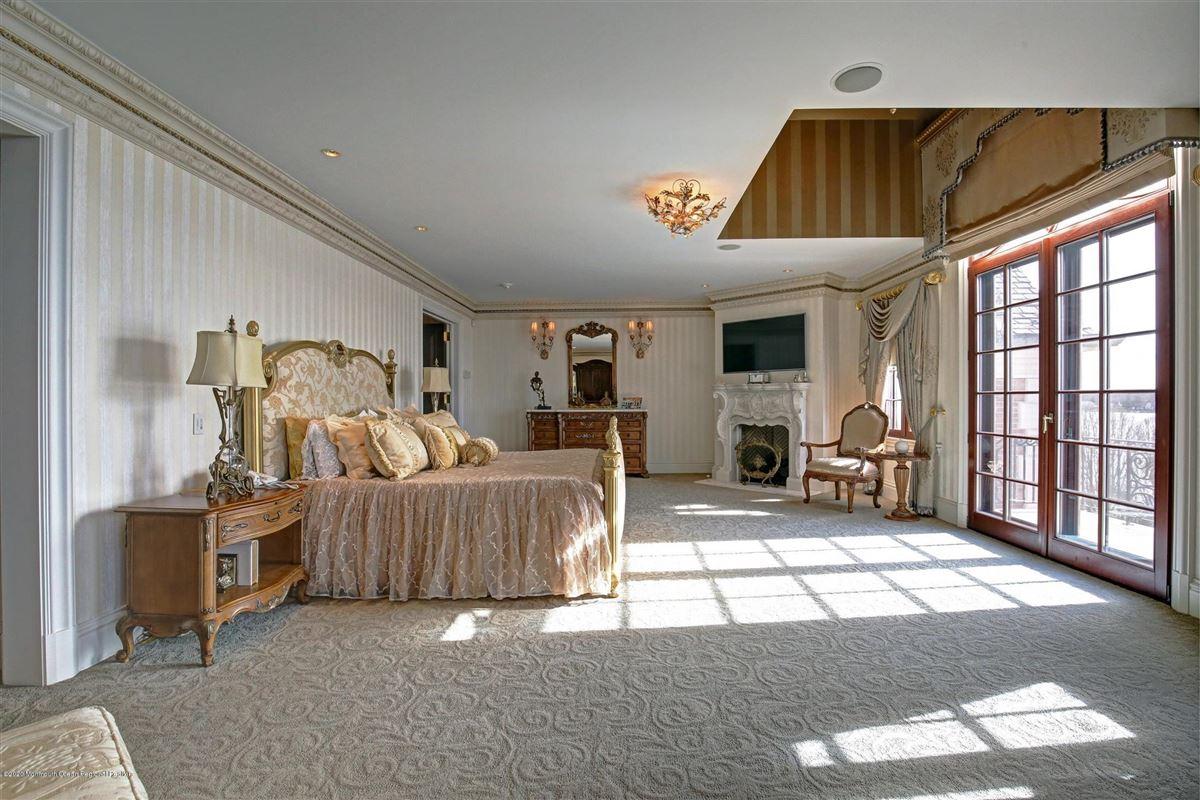 Luxury homes in premier waterfront estate