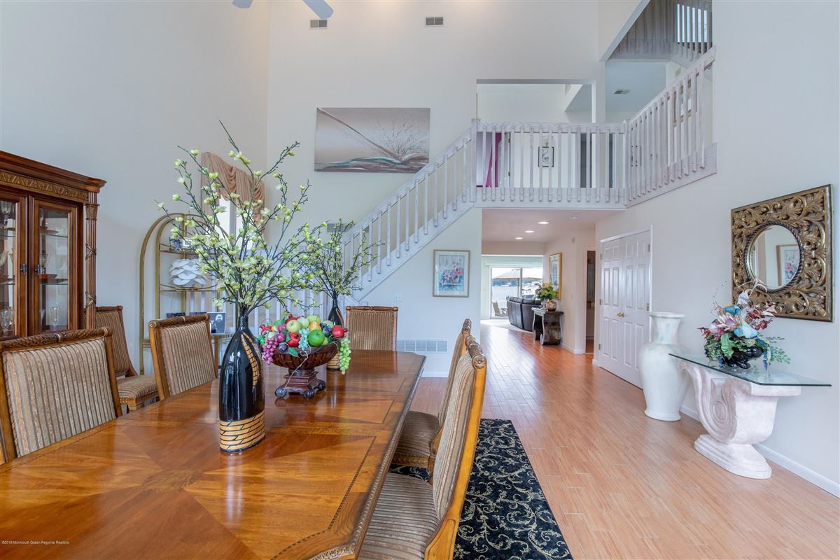 Outstanding Riverfront home in brick mansions