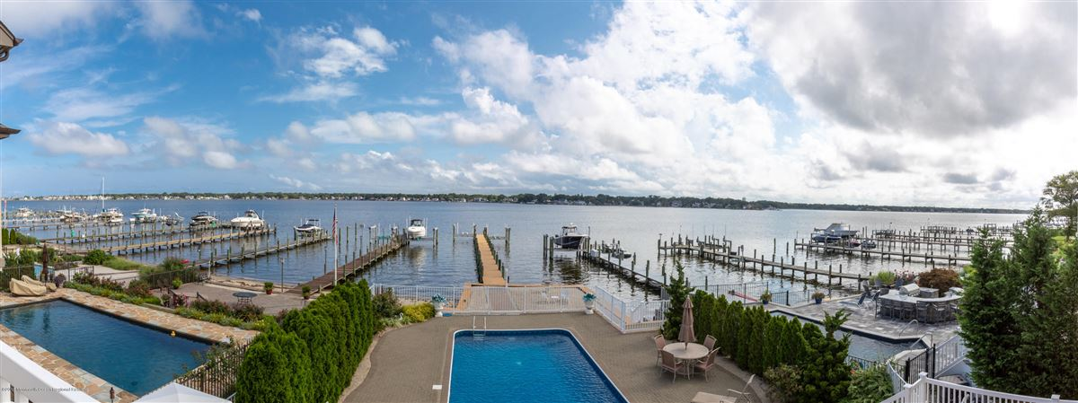 Mansions Outstanding Riverfront home in brick
