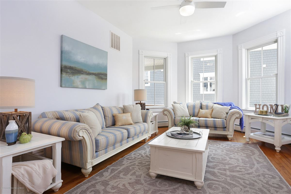 Mansions in beautiful home offers upgrades throughout