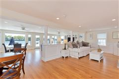 Mansions in Riverfront Lifestyle - Beachside Living