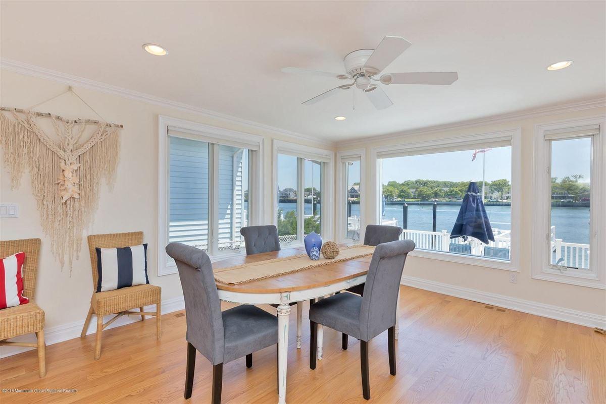 Luxury real estate Riverfront Lifestyle - Beachside Living