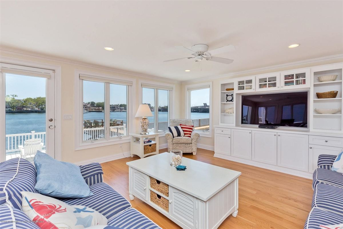 Riverfront Lifestyle - Beachside Living luxury real estate